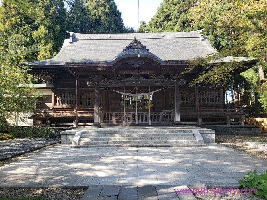彌高神社拝殿